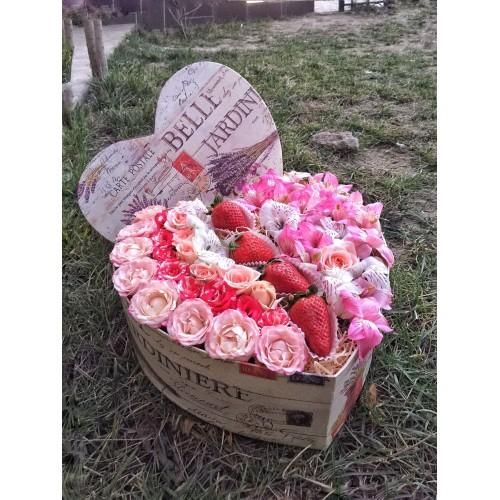 Купить на заказ Заказать Сердце Jardin с доставкой по Усть-Каменогорску с доставкой в Усть-Каменогорске