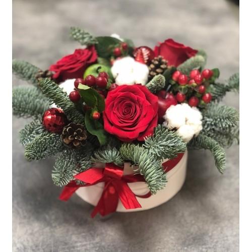Купить на заказ Заказать Букет «Веселый Санта» с доставкой по Усть-Каменогорску с доставкой в Усть-Каменогорске