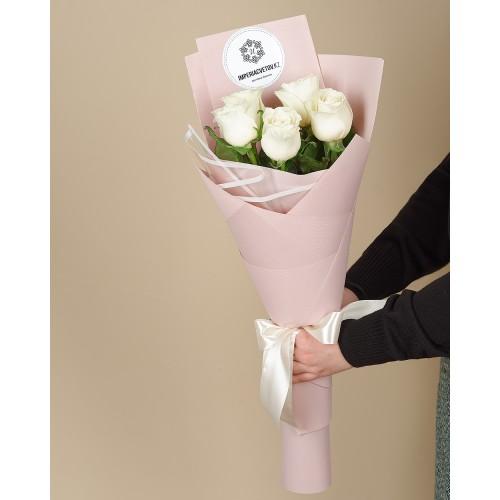 Купить на заказ Заказать Букет из 5 роз с доставкой по Усть-Каменогорску с доставкой в Усть-Каменогорске