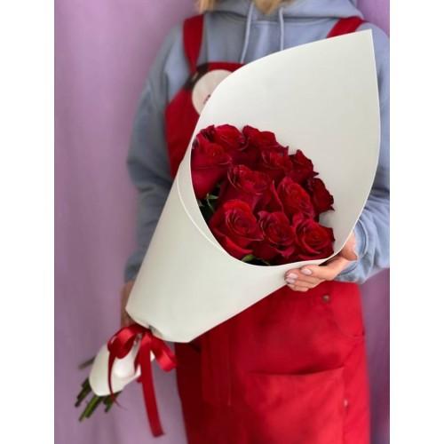 Купить на заказ Букет из 11 красных роз с доставкой в Усть-Каменогорске