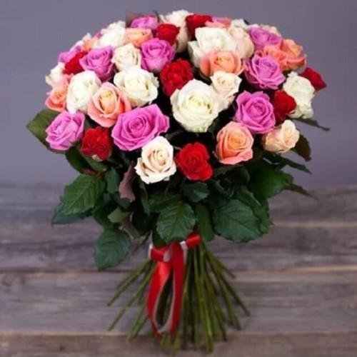 Купить на заказ Заказать Букет из 31 розы (микс) с доставкой по Усть-Каменогорску с доставкой в Усть-Каменогорске